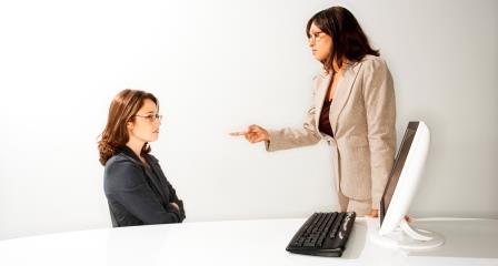 Контролирующее должника лицо
